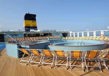 Commentaire du ferry mega express five de corsica sardinia for Mega express 2 piscine